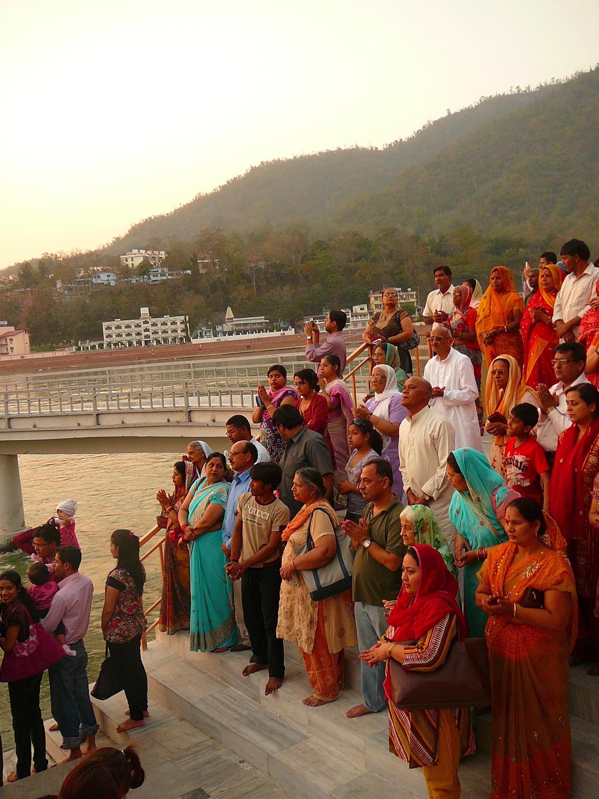 Церемония огня берег Ганги