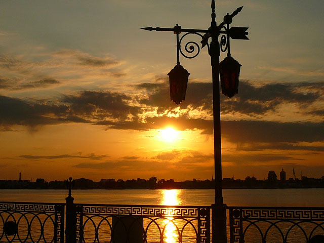 Астрахань Волга Солне