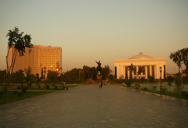 Скверы в Ташкенте