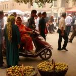 Кашгар. Стали местными и родными. Гуляем по рынку, кушаем лепешки из тондыра.