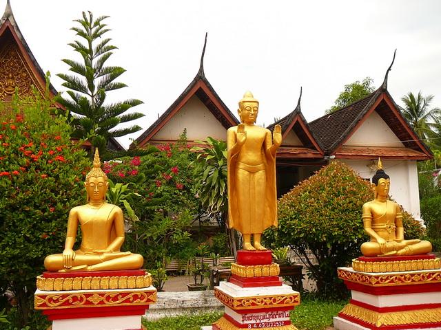 Монастыри в ЛуангПрабанге