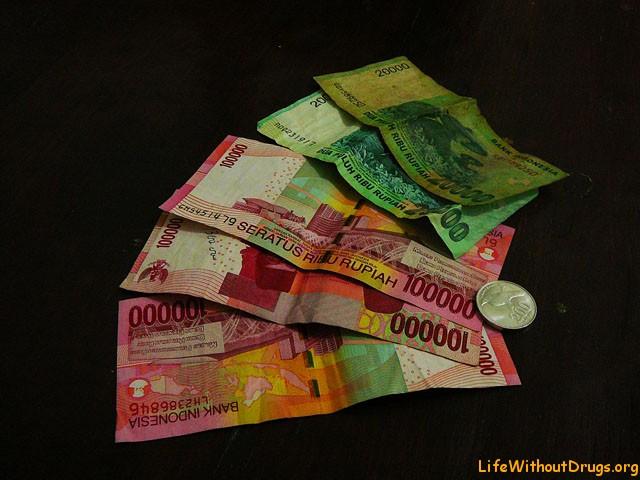 Деньги на Бали