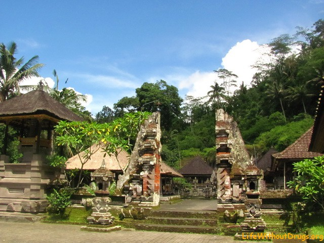 Храм в Гунунг Кави