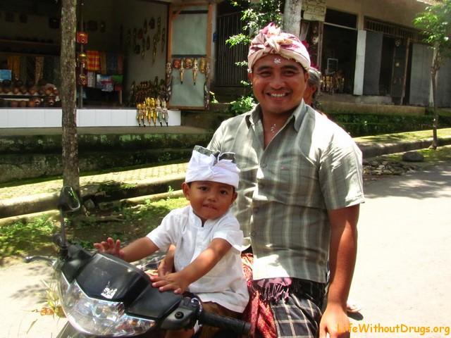 Симпатичные папа и сын