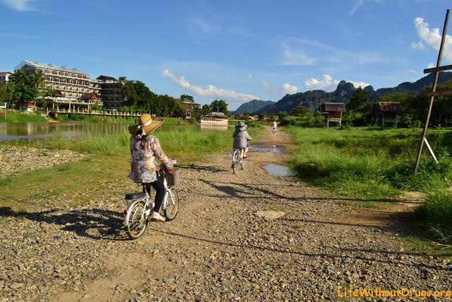 Ванг Вьенг, Лаос