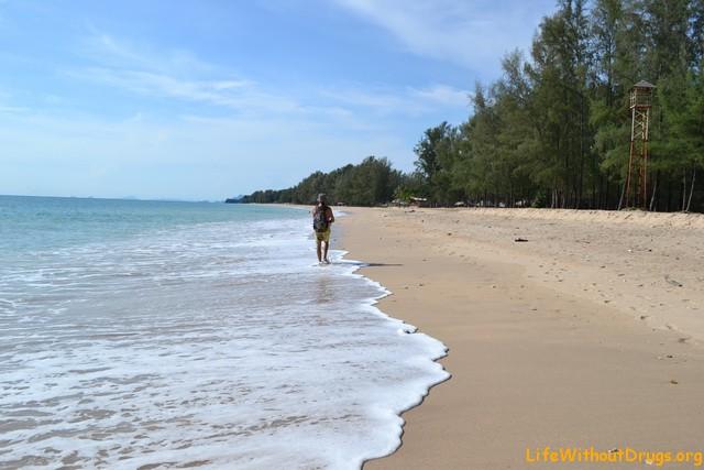 Пляж Логн Бич на острове Ко Ланта