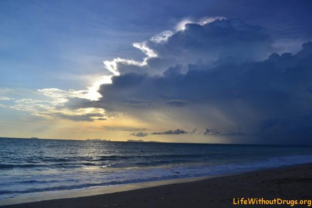 Чудесные тучи над островом Ко Ланта