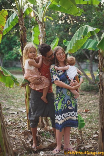 Максим и Лена со своими детками