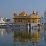 Амритсар. Золотой храм — святыня сикхов.