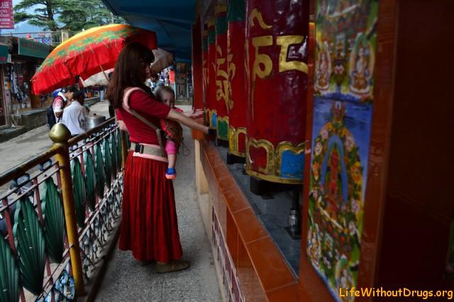 Тибетские традиционные молитвенные барабаны