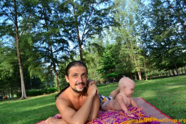 Малышка и папа