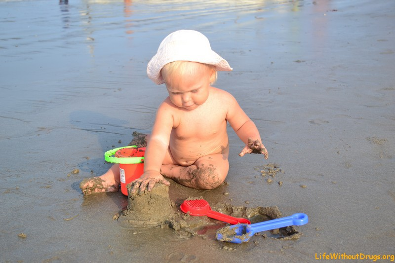Играть голышом дети фото