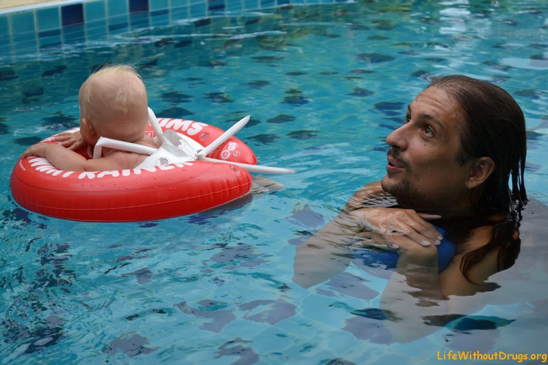 Плавание для грудничков