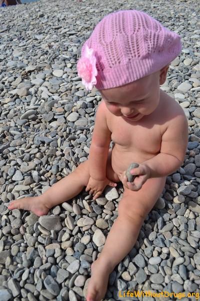 Малышка на черном море