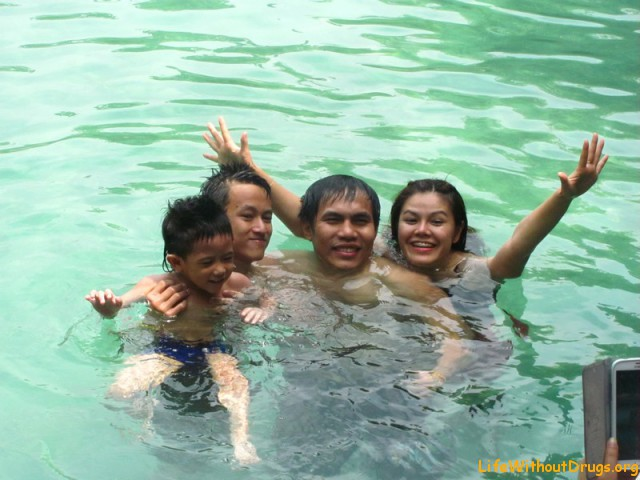 Плаваем в изумрудном озере