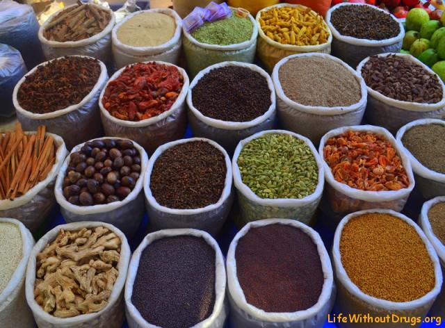 Индийский рынок и индийские специи