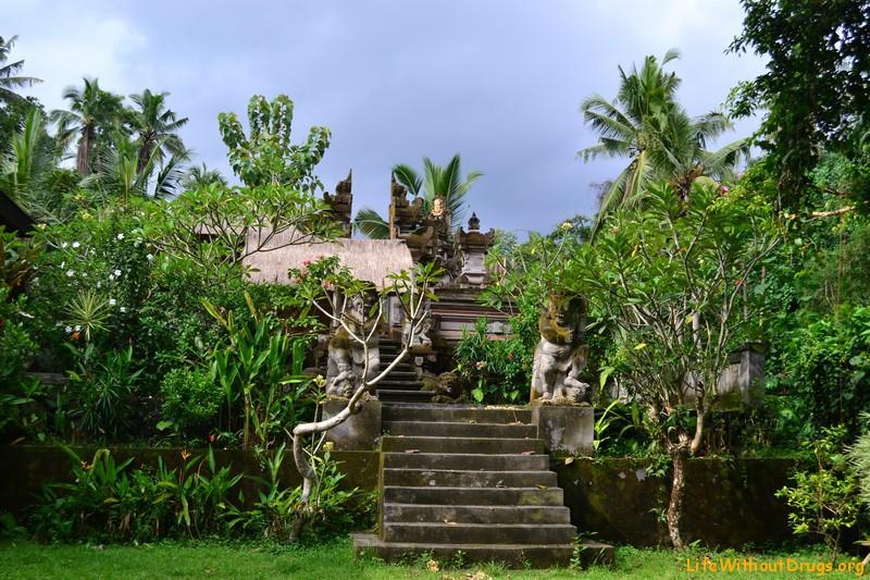 Деревенский храм нашей деревне