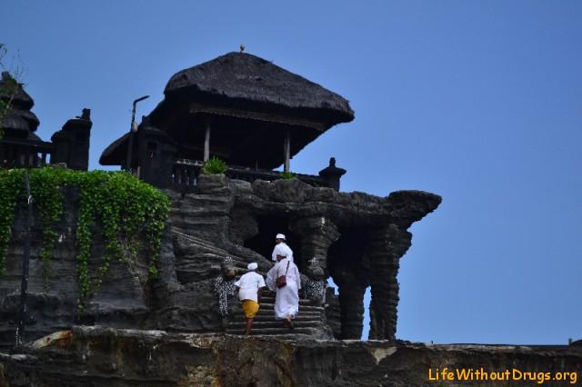 Храм Танах Лот