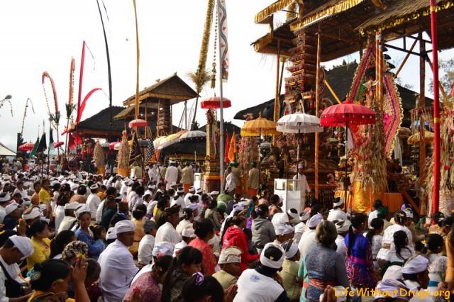 ППраздничные церемонии на Бали фото