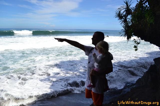 Буйный океан на Бали