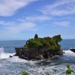 Храм Танах Лот и его окрестности — визитная карточка Бали.