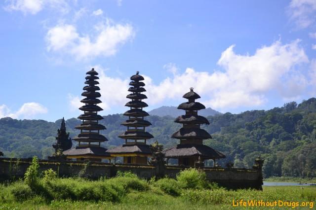 Достопримечательности Бали Загадочный храм Тамблинган
