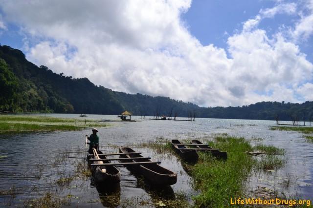 Лодка Озеро Бали