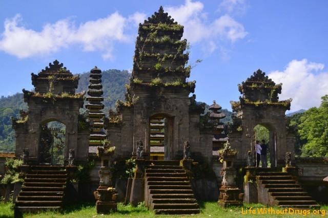 Достопримечательности Бали - Загадочный храм Тамблинган