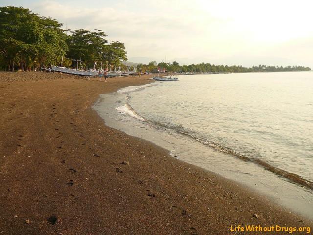 Ловина пляж на море Бали