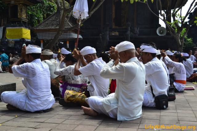 Экскурсия по Бали - храм Гоа Лава