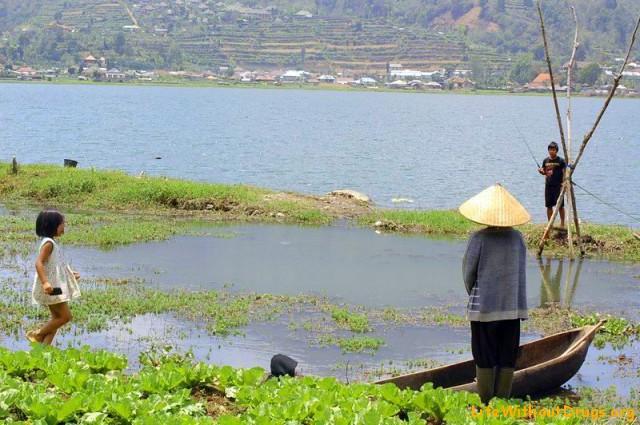 Озеро Буян и дети