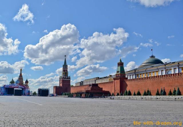 Красная площадь и мавзолей В.И. Ленина