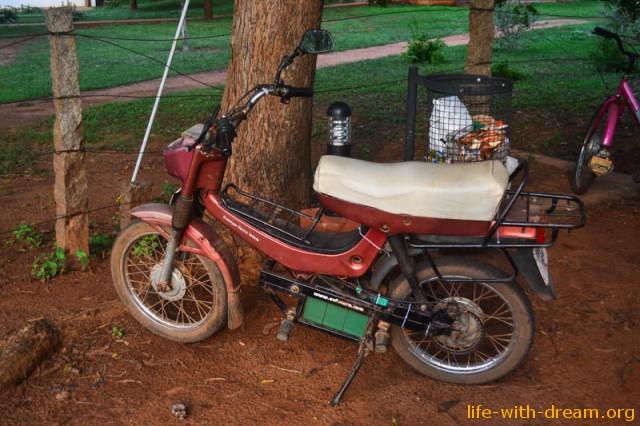 эко - мотобайк в Ауровиле