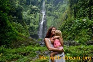 Водопад Секумпул, остров Бали