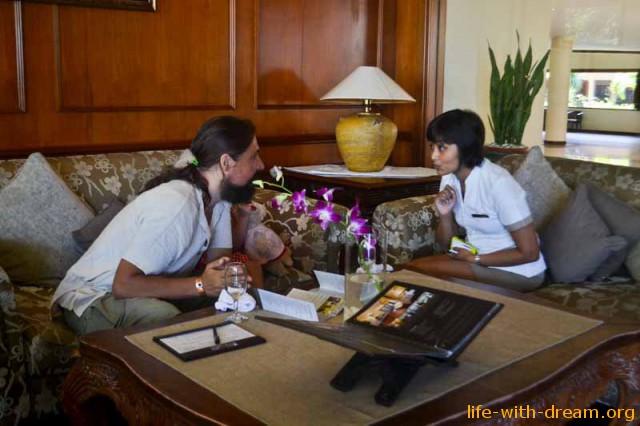 Встреча с менеджером отеля Grand Mirage Resort Thallaso Bali