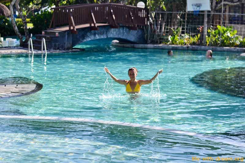 взрослый бассейн в отеле Grand Mirage Resort Thallaso Bali