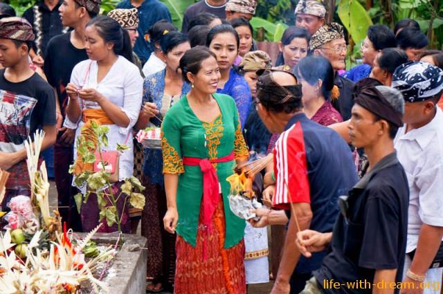 ceremoniya-kremacii-na-bali-21