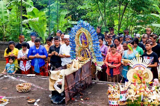 ceremoniya-kremacii-na-bali-22
