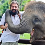 Как улыбаются слоны на Бали, или как мы ездили в Elephant Safari Park