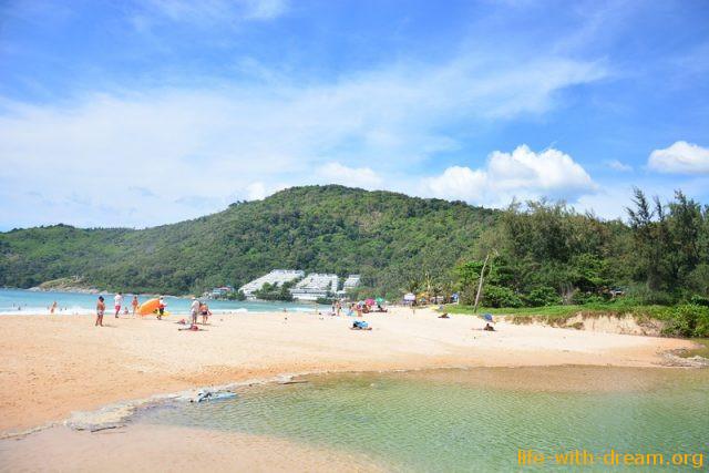 Пляж Найхарн