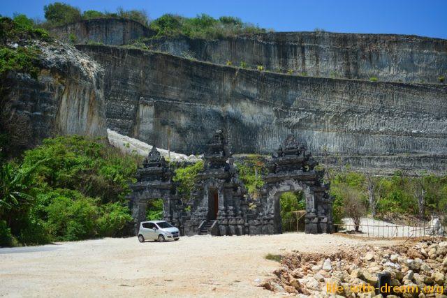 пляж Меласти на Бали