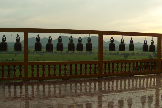 Wat Tham Khao Noi, Kanchanaburi ,Thailand