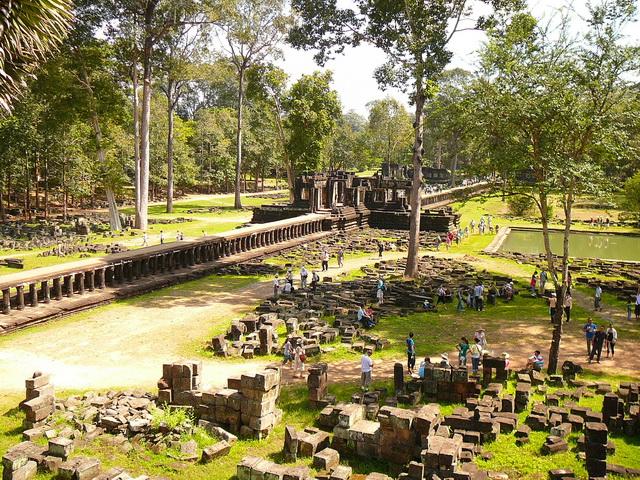 Бапхуон, храм пирамида, подобная архитектура встречается в храмах Южной Америки