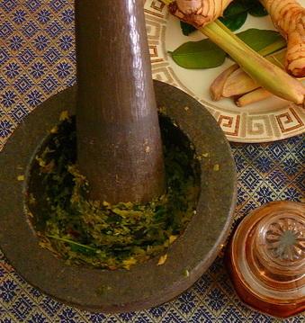Приготовление curry paste
