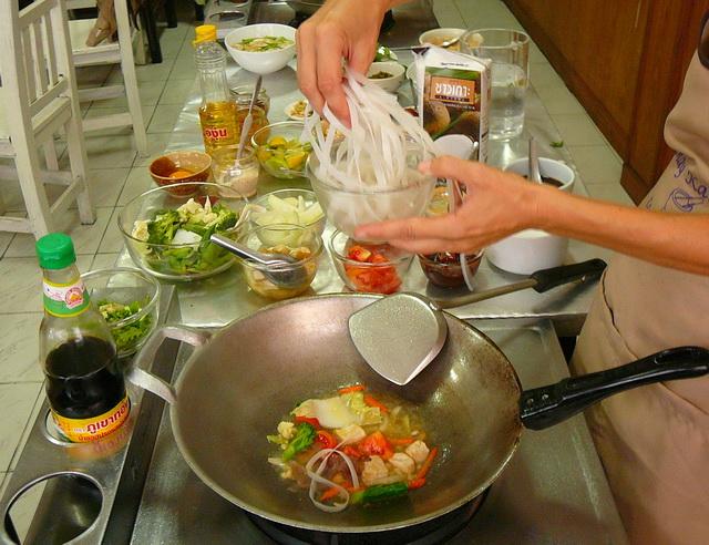 Готовим блюдо тайской кухни - Пад Тай