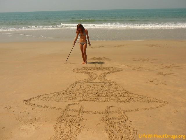Махараштра, рисуем на песке