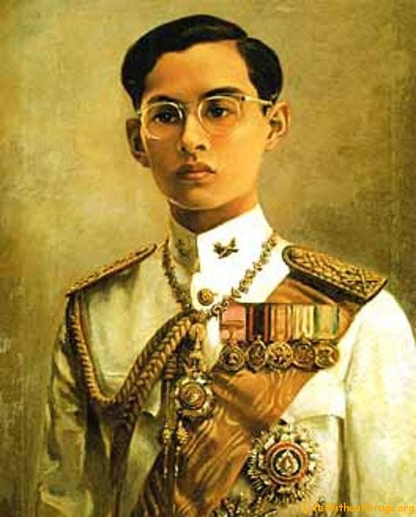 Биография короля Таиланда Рама IX