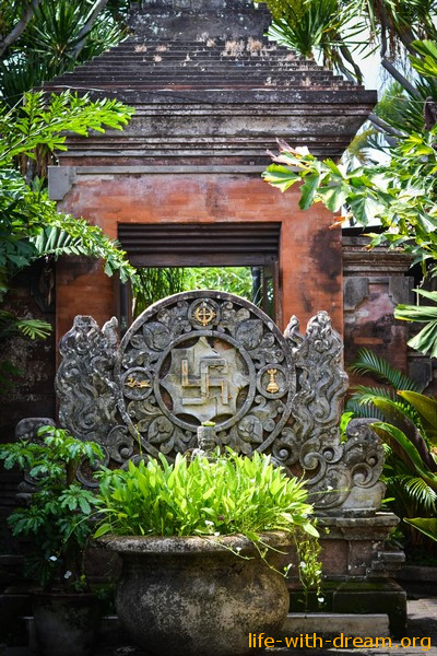 Мы на Бали. Первые заметки и наблюдения.