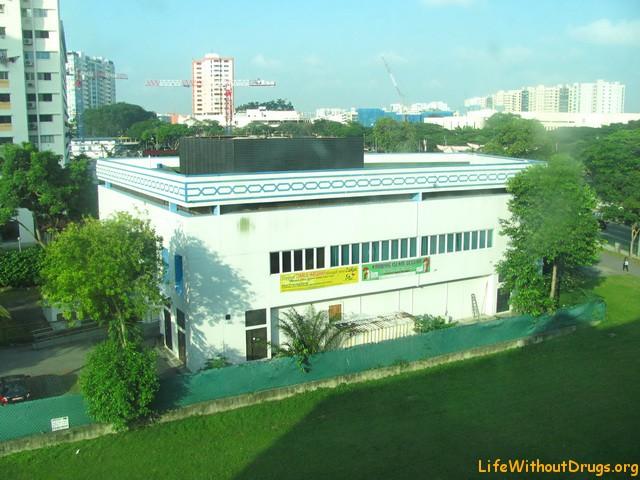 Вид из окна нашего отеля на Сингапур.. Беляево?