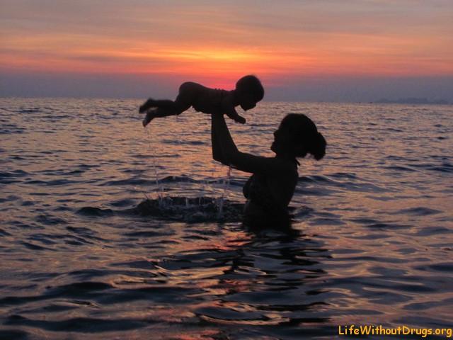 Мы с малышкой на закате
